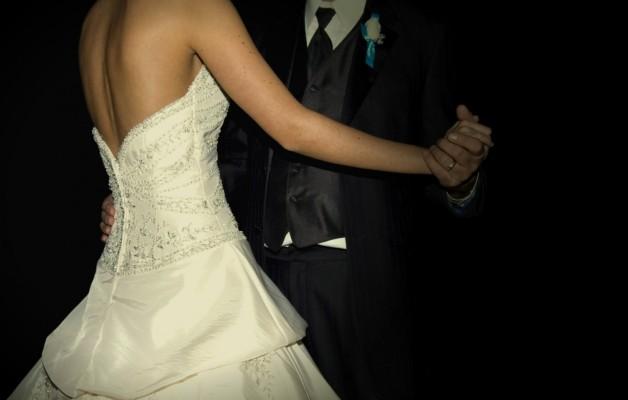 Esküvői ruha az alakodra – úszógumi a derékon