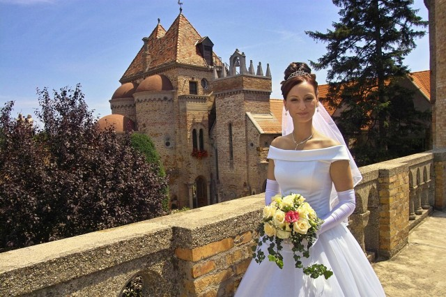 Bory-vár menyasszonnyal