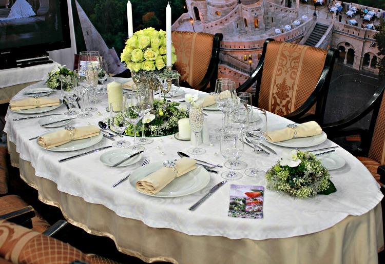 Halászbástya esküvői asztal dekoráció