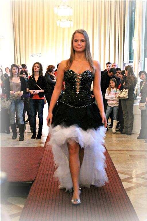 517d571e5b Esküvői ruha - Esküvő Varázs kiállítás - Tata - Muriel esküvője ...