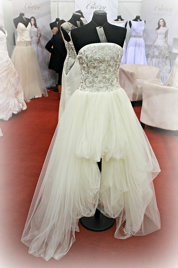 Különleges esküvői ruhák Csézy ruhái rövid-hosszú