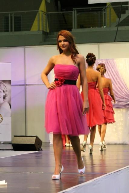 pink koszorúslány ruha Bonjour Szalon