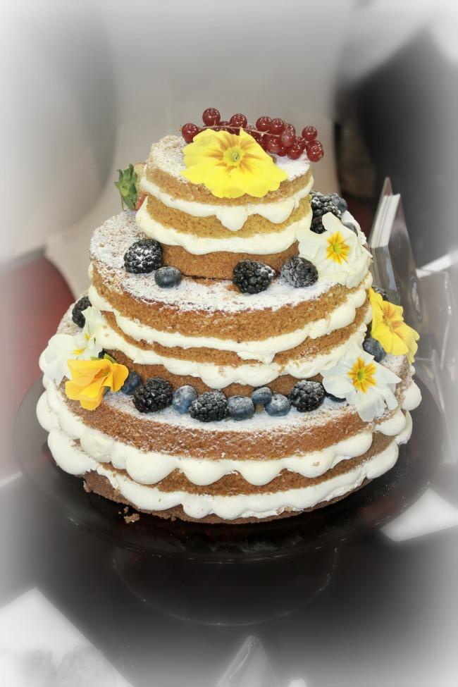 Esküvői torta máz nélkül