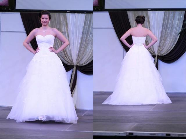 Báli típusú esküvői ruha