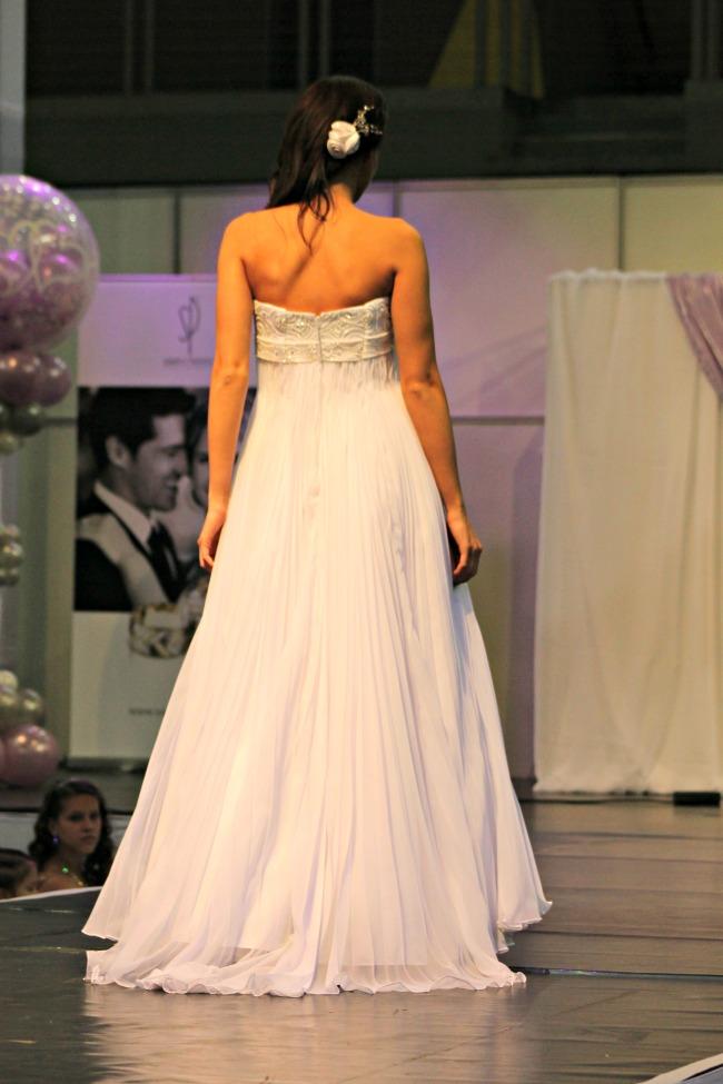 empire esküvői ruha háta