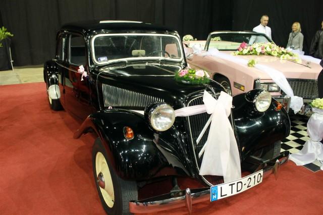 Esküvő kiállítás oldtimer autó